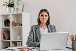 salariée dans l'entreprise familiale prépare sa retraite elle-même